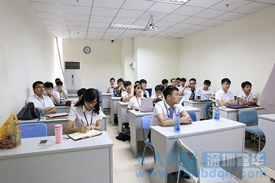 jQuery特效大赛在深圳嘉华学校T125班顺利举行