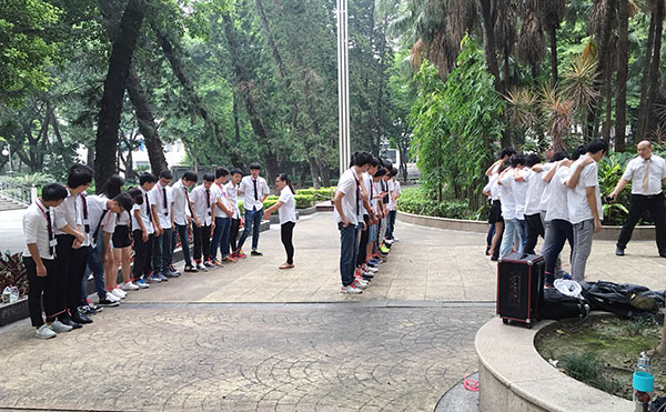 北大青鸟广州新嘉华学校万人晨练掠影