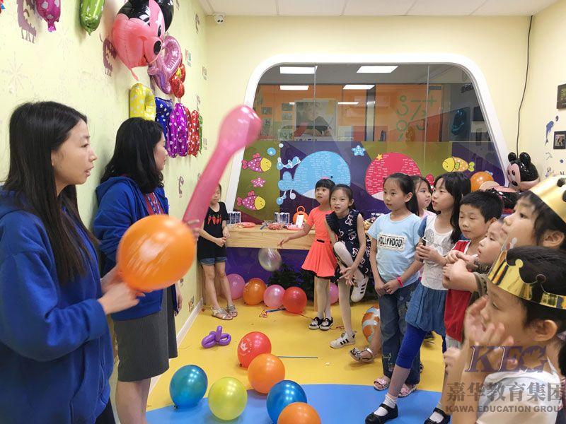 优瑞园岭校区的小寿星们生日快乐