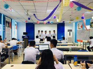北大青鸟深圳嘉华学校S2T168班毕业答辩圆满结束