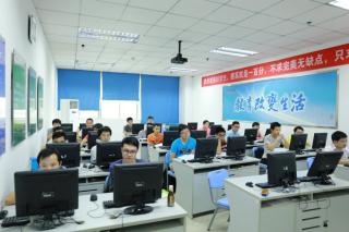 广东江门的北大青鸟学校了解到人工智能与Python关系