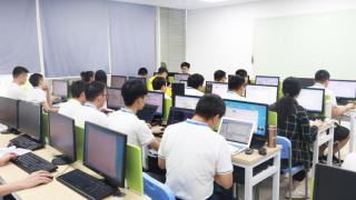 在广东云浮市北大青鸟的学校学UI可以做什么工作