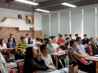【家长会】北大青鸟信狮教育软件开发1T166班家长会顺利召开