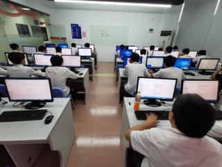 广东梅州的人想学软件开发去北大青鸟深圳信狮怎么样