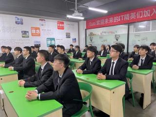 深圳北大青鸟校园文化 | 课前三分钟,能干啥?
